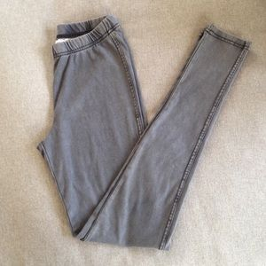 Pants - Comfy Stretch Jeggings in Gray